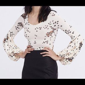 Free People Tea Combo /To The Tropics Cream Top w/Knotted Bell Sleeves - M- NWT